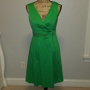 Ellen Tracy  super cute green dress